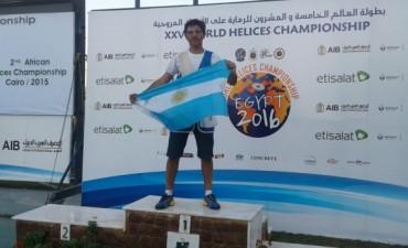 Javier Oviedo ganó un Gran en Prix El Cairo