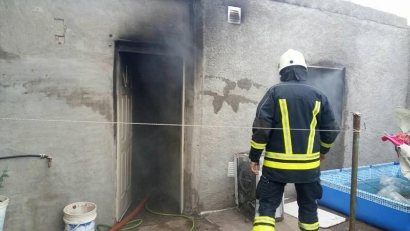 Arde una vivienda habitada por un hombre y sus tres hijas.