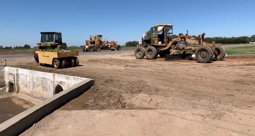 Construcción de alcantarilla en acceso a la localidad
