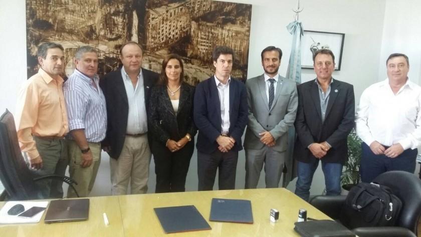 El Intendente Rezza firmó el convenio con el Gobierno Nacional por casi $ 28.500.000 para el Acueducto