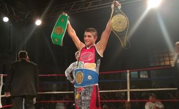 Javier Clavero logró el Título Argentino en Ligeros