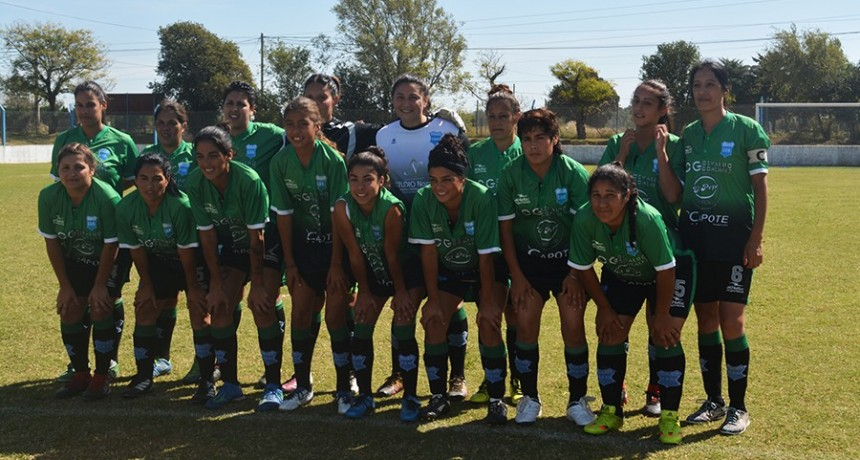 Fútbol Femenino - Deportivo Municipal ganó y es líder