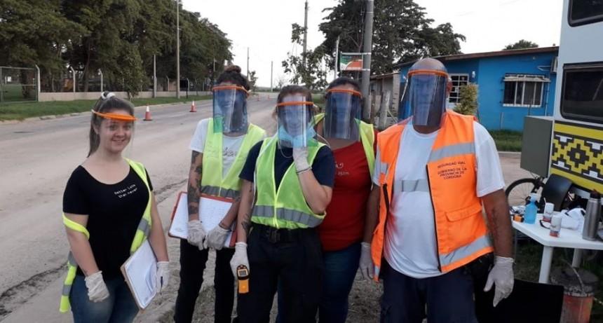 Coronavirus: fabrican barbijos y máscaras de protección para el personal que trabaja en prevención