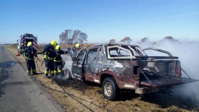 Se quemó Camioneta en Ruta 24