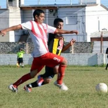 """1ra. A: El """"Cara"""" López le quitó el invicto al Atlético"""