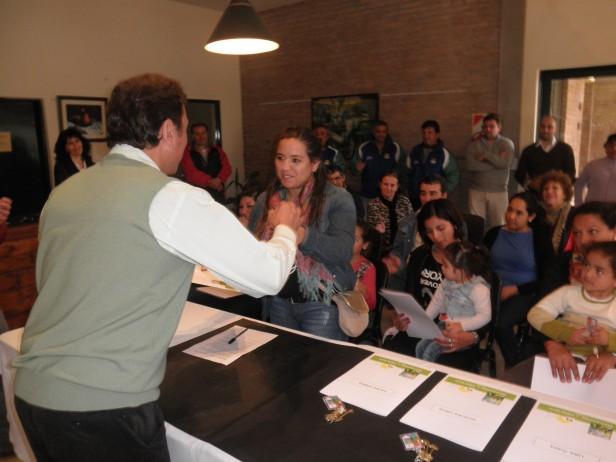 El Intendente Rezza entregó las llaves de siete viviendas sociales