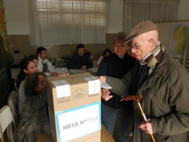 Se desarrollan con normalidad las elecciones en Adelia Maria
