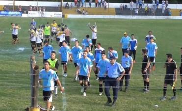 Municipal cayó en Deheza y perdió el segundo lugar