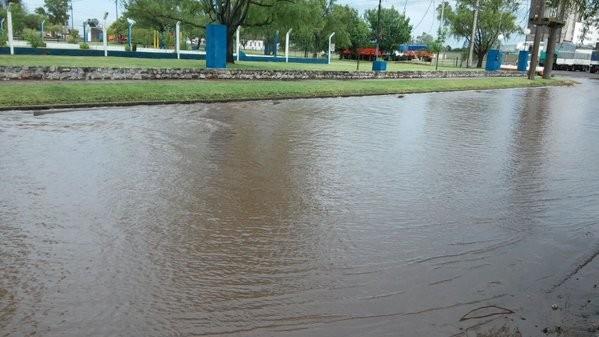 Fuerte tormenta eléctrica: llovieron 120 milímetros y hubo complicaciones