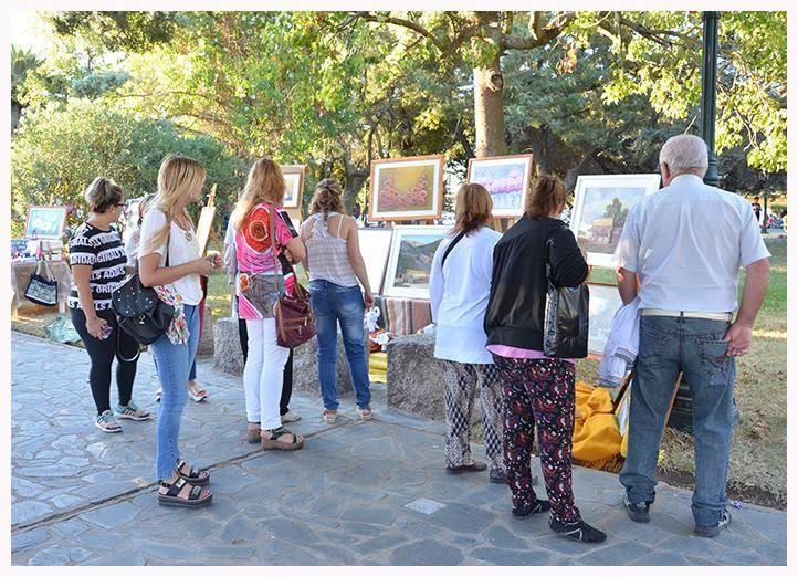 Feria Artesanal en la Plaza